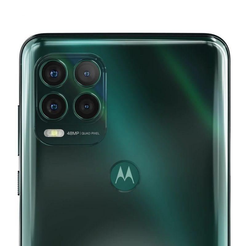 Motorola Moto G Stylus 5G:ssä on neljä takakameraa.