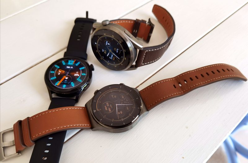 Hieman yksinkertaisempi Huawei Watch GT 2 Pro on eräs vaihtoehto Watch 3 -uutuuksille. Watch GT 2 Pro kuvassa etualalla.