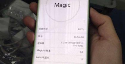 Honor Magic3 suojakuoren sisällä Weibo-yhteisöpalvelussa julkaistussa kuvassa.