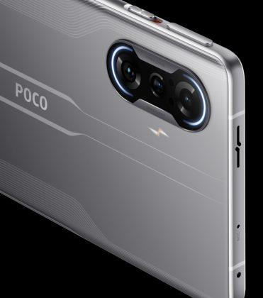 Poco F3 GT:n kamerakohoumasta löytyy RGB LED -valot. LED-kuvausvalo on sijoitettu kamera-alueen rinnalle.