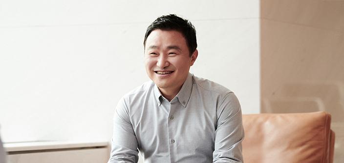 Samsungin mobiililiiketoiminnan johtaja TM Roh.