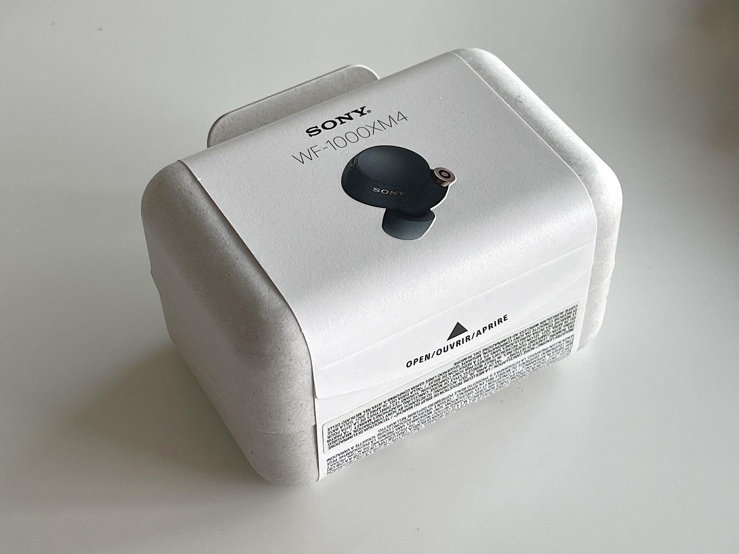 Sony WF-1000XM4 -kuulokkeiden myyntipakkaus on toteutettu ympäristöystävällisesti.