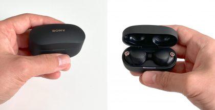 Sony WF-1000XM4 -kuulokkeet ja latauskotelo.