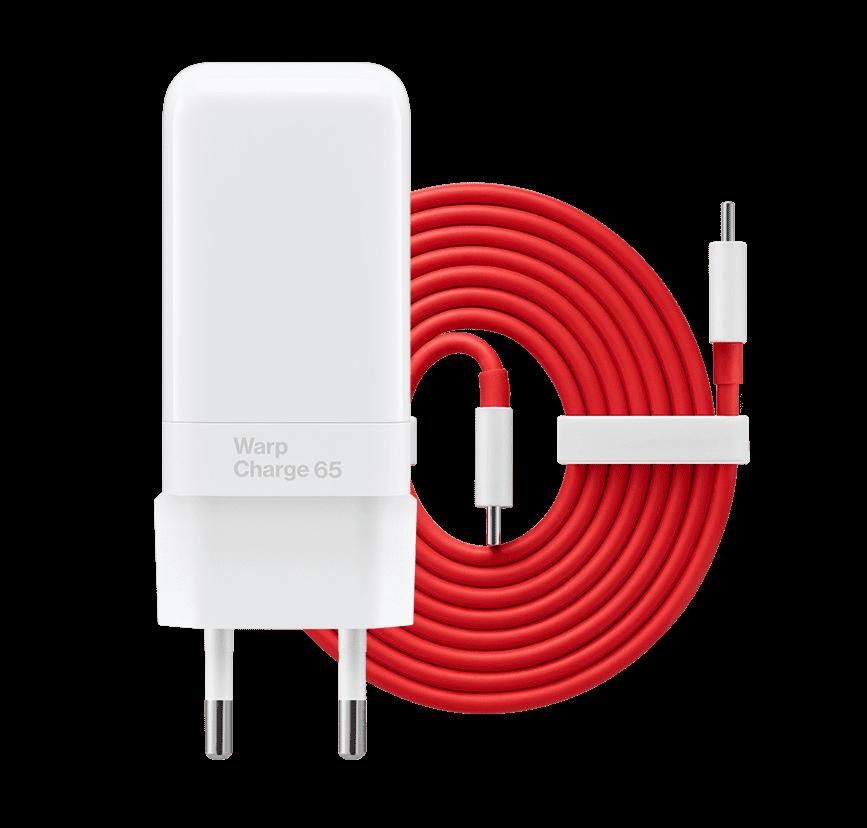 Nopean latauksen mahdollistava Warp Charge 65 -laturi toimitetaan mukana OnePlus Nord 2 5G:n myyntipakkauksessa.