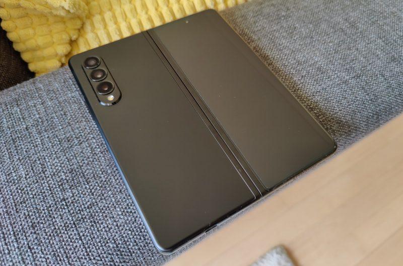 Samsung Galaxy Z Fold3 on vakuuttava sekä rakenteellisesti että teknisesti.