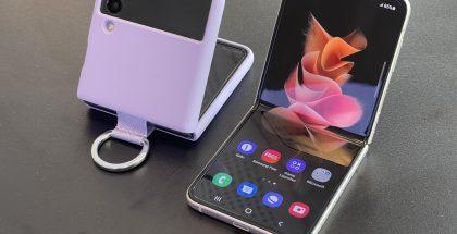 Esimerkki yhdestä Galaxy Z Flip3:n suojakuoresta.