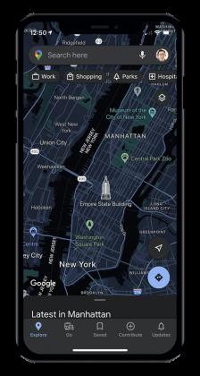 Google Mapsin tumma tila iPhonessa.
