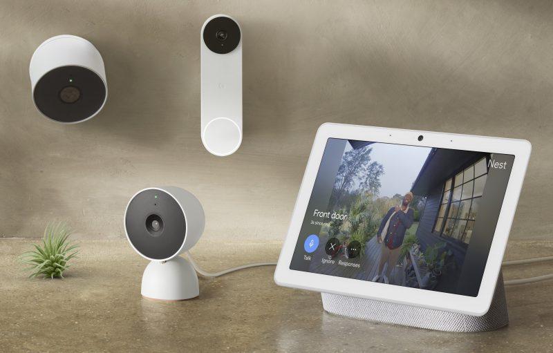 Nest-valvontakamera- ja ovikellouutuudet yhdessä Nest Hub -näytön kanssa.