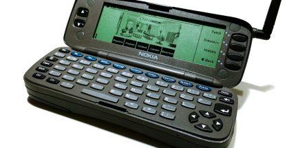 Nokia 9000 Communicator avattuna. Kuva: textlad / Flickr.