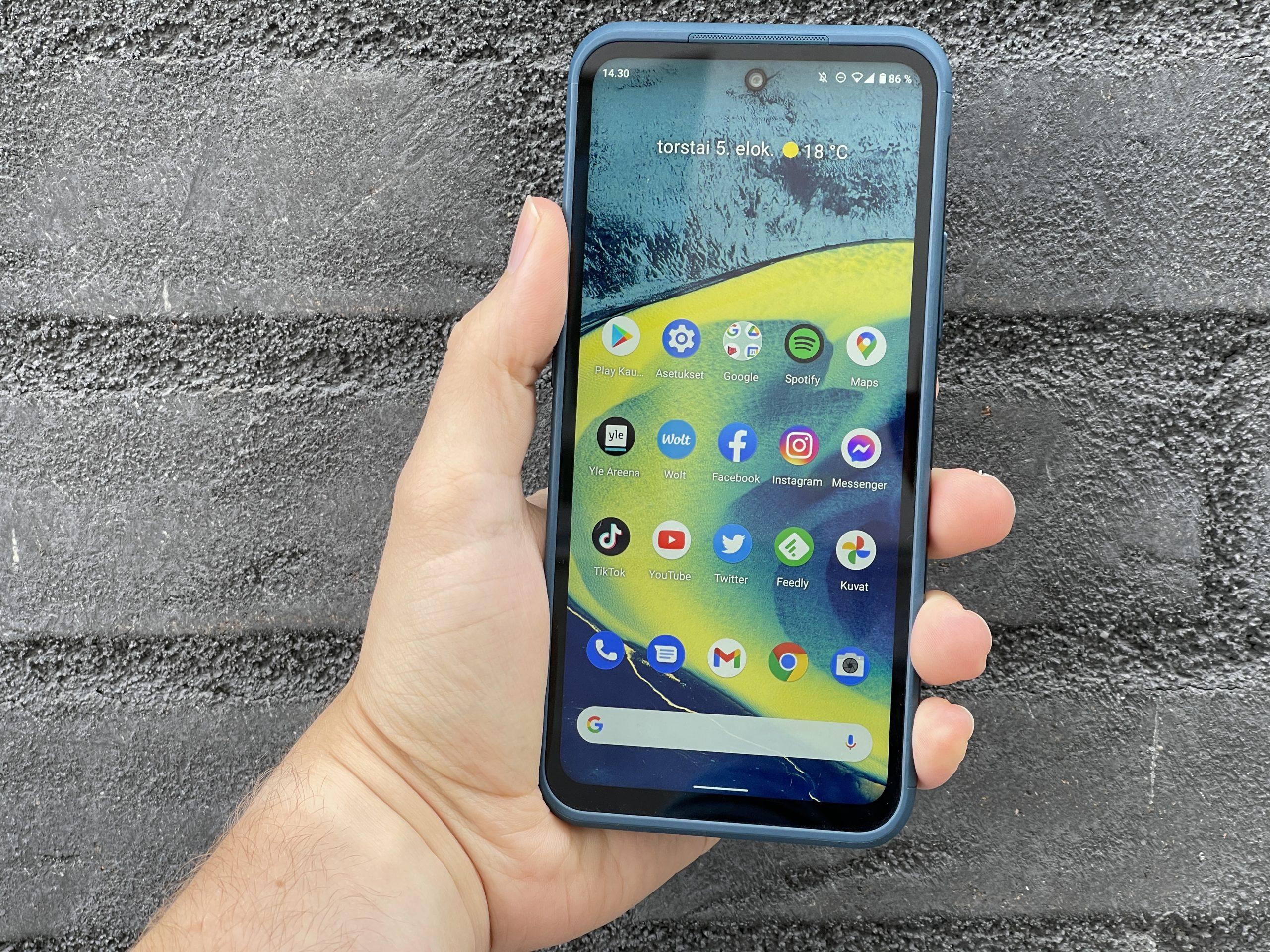 Nokia XR20:ssä on kookas ja kirkas 6,67 tuuman näyttö.