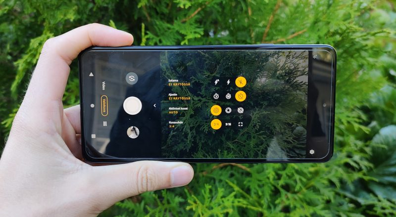 Kameraohjelmisto on uusittu, ja Edge 20 on muutenkin parhaimmillaan oiva kamerapuhelin.