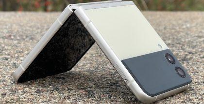 Galaxy Z Flip3 on kokonaisuutena tyylikäs laite.