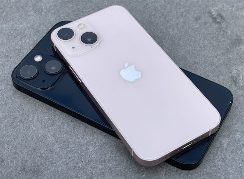 iPhone 13 mini ja iPhone 13 ovat hyviä iPhoneja, vaikka eivät aivan huippua.