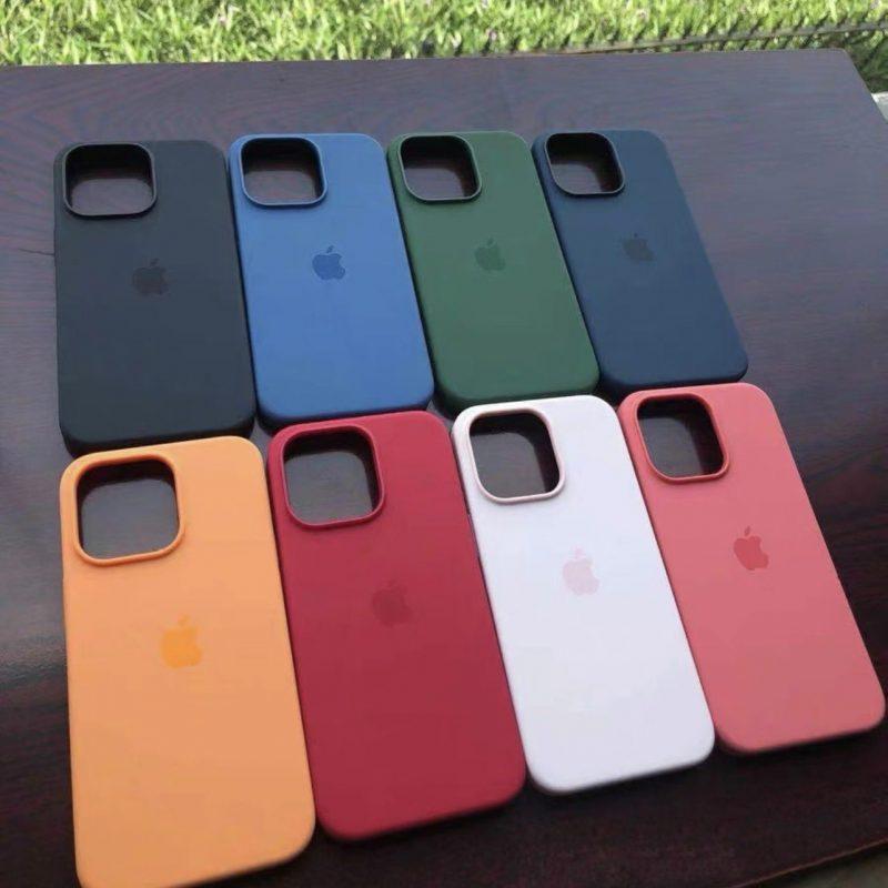 Applen virallisten kuorten näköisiä iPhone 13 -puhelinten silikonisuojakuoria.