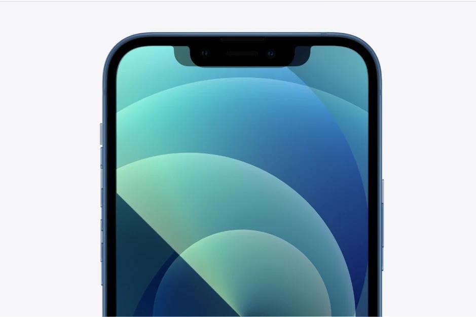 iPhone 13 -puhelinten näyttölovi on selvästi kapeampi, ja lähes huomaamattomasti korkeampi.