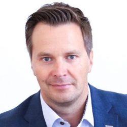 Samsungin Suomen mobiililiiketoiminnan johtaja Mika Engblom.