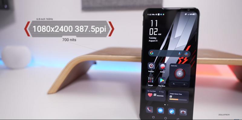 Red Magic 6S Pro sisältää edelleen 6,8 tuuman OLED-näytön.