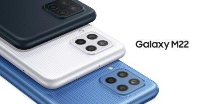 Samsung Galaxy M22 eri väreissä. Takapinnassa on pystysuuntainen tekstuuri.