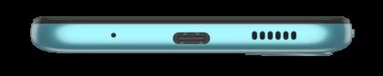 Moto E20:n pohjasta löytyy USB-C-liitäntä.
