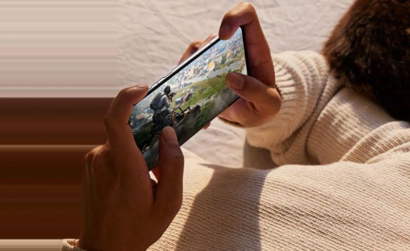 OnePlus 9RT:tä markkinoidaan pelaamiseen sopivana.