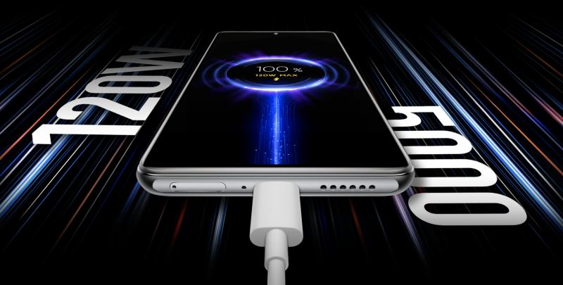 Xiaomi 11T Pro tukee peräti 120 watin tehoon yltävää akun pikalatausta.