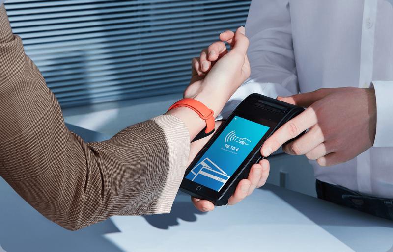 Mi Smart Band 6 NFC tukee lähimaksamista.